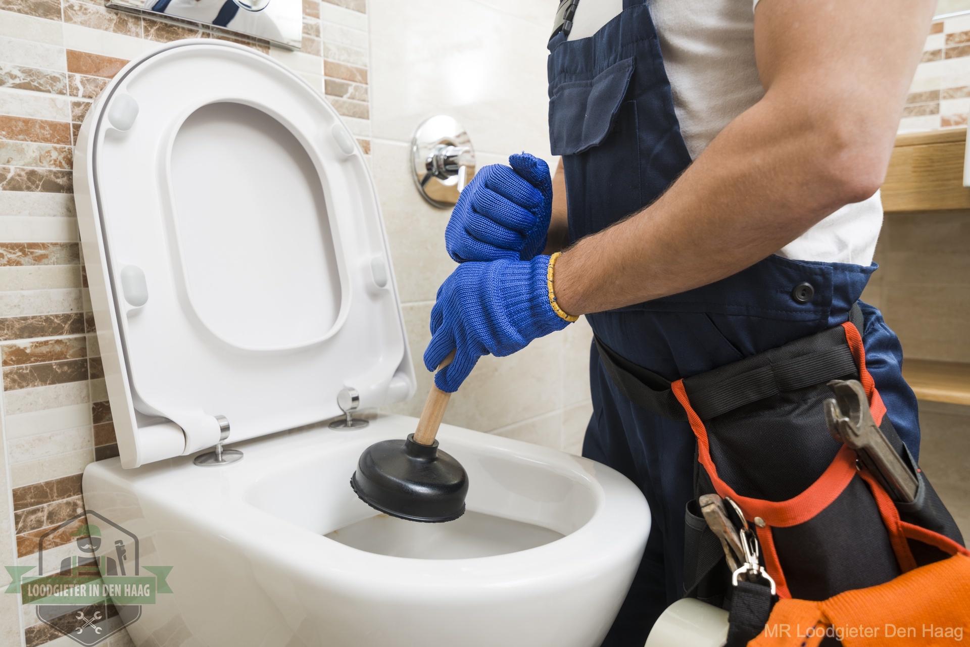 Ontstoppen wc loodgieter in Den Haag